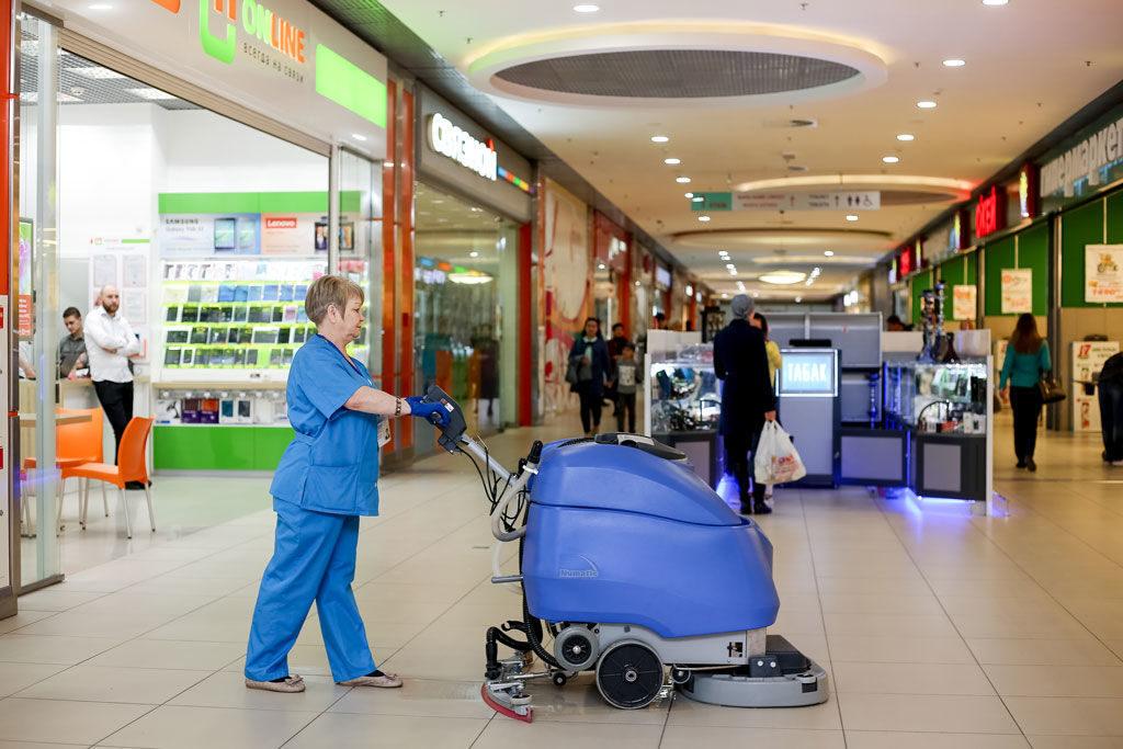 Уборка торговых центров.